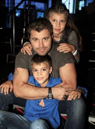 Олег Рой с детьми от второй жены