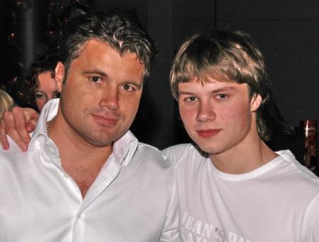 Олег Рой со старшим сыном Женей