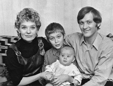 Светлана Светличная с семьей
