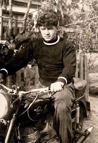 Аллан Чумак в молодости