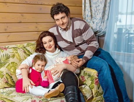 Михаил Полицеймако с женой Ларисой и дочками