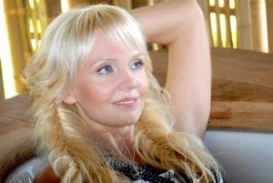 Певица Валерия (Алла Перфилова) - Счастье на части...
