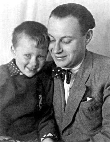 Александр Менакер с сыном Андреем Мироновым