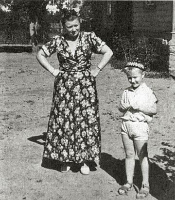 Андрей Миронов в детстве с мамой Марией Мироновой