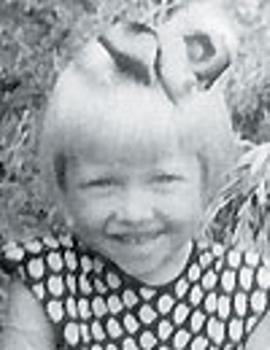 Аня Фроловцева в детстве