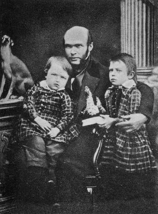 Николай Пирогов с сыновьями