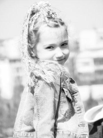Оля Науменко в детстве