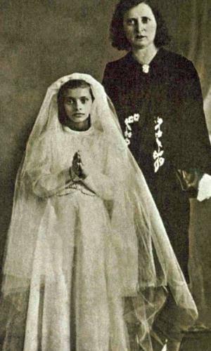Софи Лорен в детстве с мамой