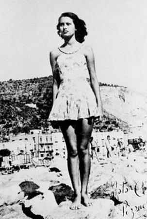 Софи Лорен в юности, 14-15 лет.