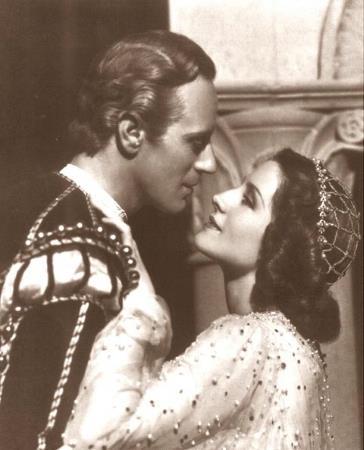 Великая французкая актриса Сара Бернар в возрасте 70 лет блестяще сыграла 13-летнюю Джульетту.