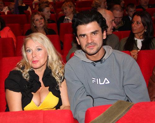 Елена Кондулайнен с молодым мужем Дмитрием