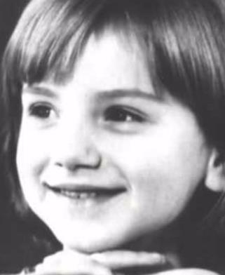 Оля Будина в детстве
