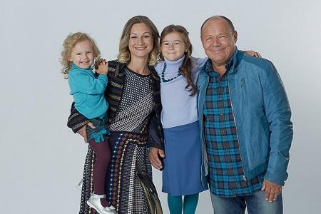 Алексей Маклаков с женой и детьми