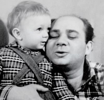 Андрей Леонов в детстве со знаменитым отцом Евгением Леоновым