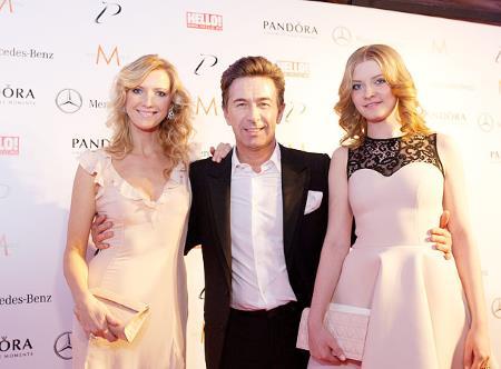 Валерий Сюткин с любимой семьей: женой Виолеттой и дочкой Виолой