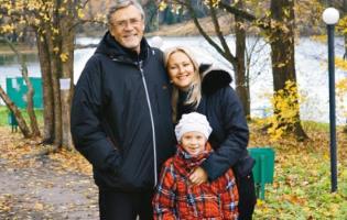 Александр Михайлов: Я старше жены на 23 года...