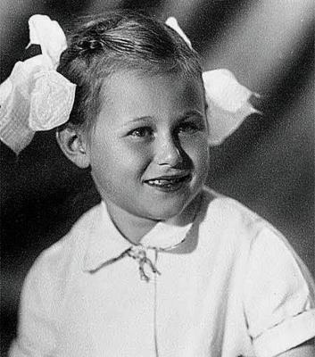 Даша Донцова в детстве