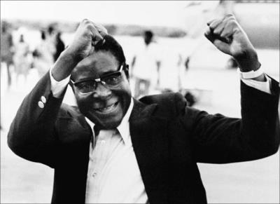 Роберт Мугабе в молодости