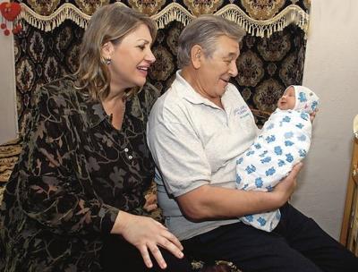 Александр Белявский с женой Людмилой и дочкой Александрой