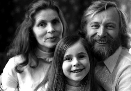 Иннокентий Смоктуновский с женой и дочкой Машей