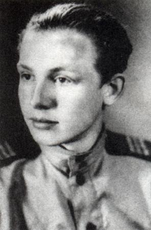 Иннокентий Смоктуновский в годы войны