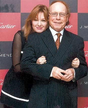 Эдвард Радзинский с третьей женой Еленой Денисовой