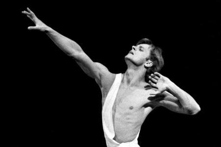Михаил Барышников на сцене Мариинского театра оперы и балета.