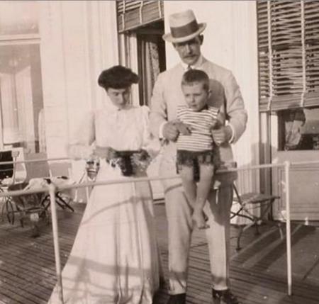 Матильда Кшесинская с мужем князем Андреем и сыном Володей