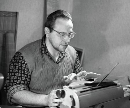 Юрий Власов в работе над книгами