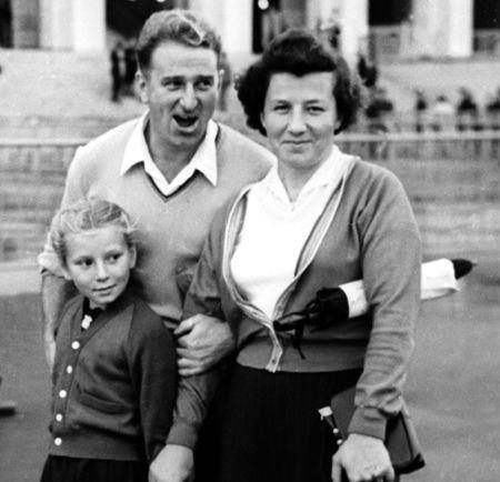 Таня с родителями