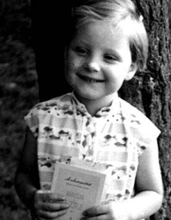 Ангела в детстве