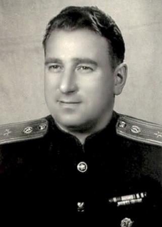 Старший майор Анатолий Тарасов в молодости