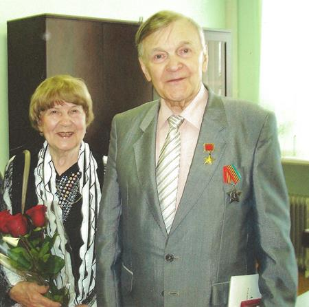 Юрий Бондарев с супругой Валентиной Никитичной