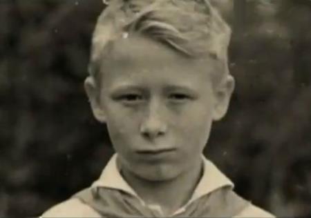 Виктор в детстве