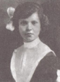 Гимназистка Клава Шульженко
