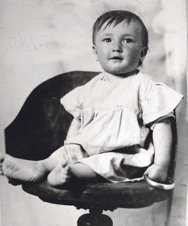 Юный Боря в детстве
