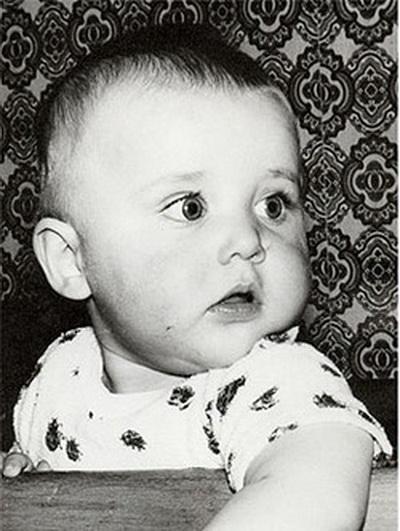 Игорь в детстве