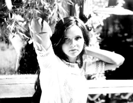 Таня в юности