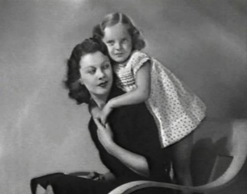 Вивьен с дочерью