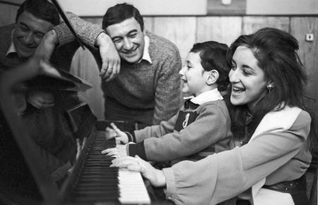 Тамара Гвердцители с первым мужем и сыном