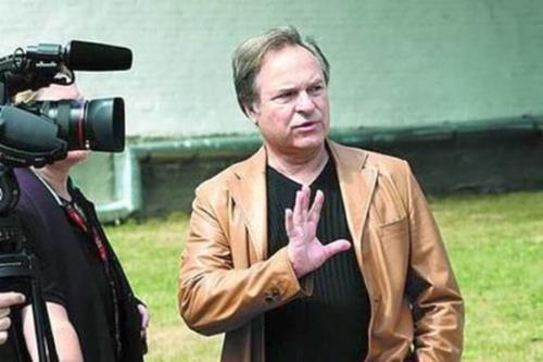 Режиссер Нахапетов на съемках своего фильма