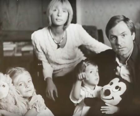 Родион Нахапетов с Верой Глаголевой и детьми