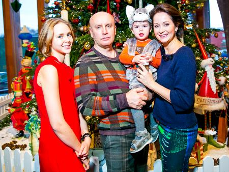 Ольга Кабо с семьей