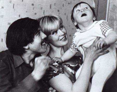 Нина Шацкая с первым мужем Валерием Золотухиным и сыном Денисом