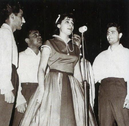 Самодеятельный оркестр при ГПИ стал первым, где Нани выступала как певица