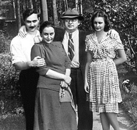 Лаврентий Берия с женой и детьми (сыном Серго и невесткой)
