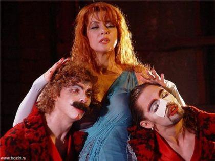 Вера Сотникова на сцене театра