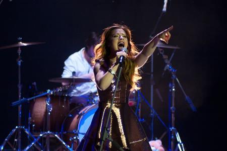 Юлия Савичева на сцене