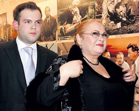 Нина Усатова с сыном Николаем