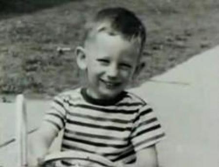 Стивен в детстве
